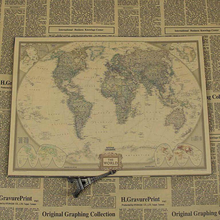 Üstünde eyfel kulesi olan dünya haritası