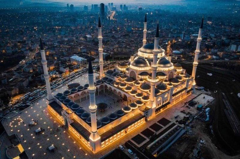 İstanbul'daki Tarihi ve Dini Yapılar-Çamlıca Camii